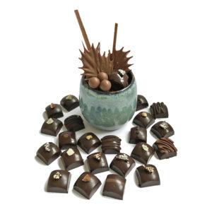 Gobelets en grés et chocolats